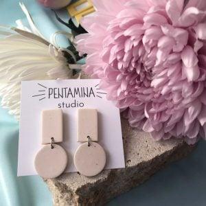 Pentamina Studio Pendientes de dos geométricos blanco marfil