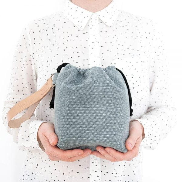 Versado Bags limosnera gris4