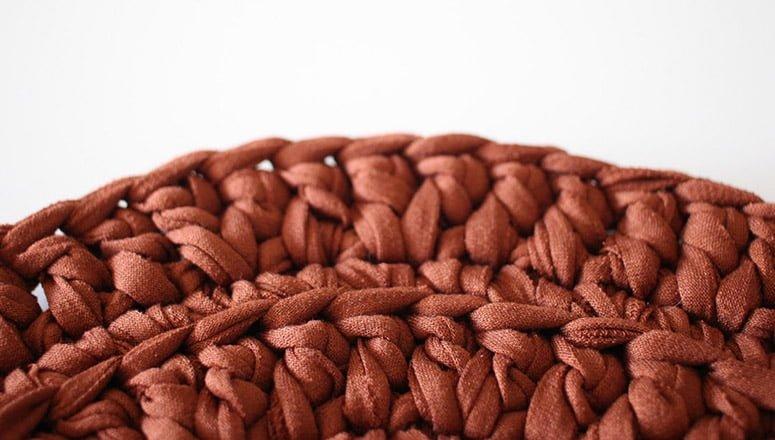 Cómo hacer cestas de trapillo 2