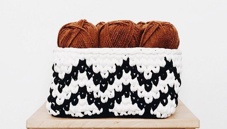 Cómo hacer cestas de trapillo 3