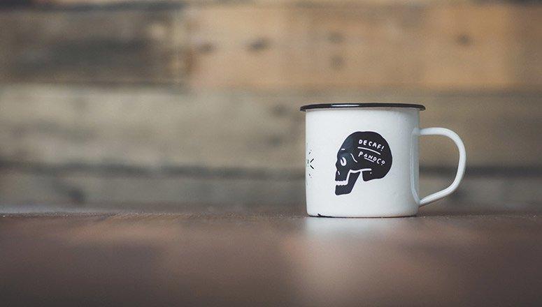 cómo pintar tazas cerámica3